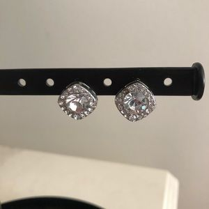 Francesca's Square Diamond Earrings!
